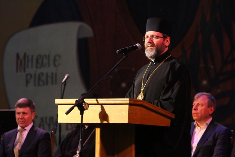 Військовим капеланам України вручили відзнаки імені Омеляна Ковча, а сестри Тельнюк присвятили йому прем'єру