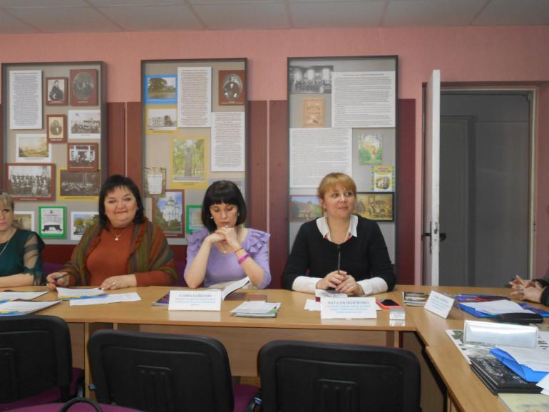 Учасники триденного семінару в Чернігові високо оцінили досвід Інституту із креативної популяризації історії України у ХХ столітті