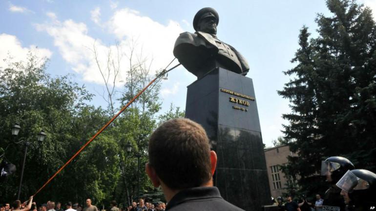 Генпрокуратура відреагувала на встановлення погруддя Жукову у Харкові