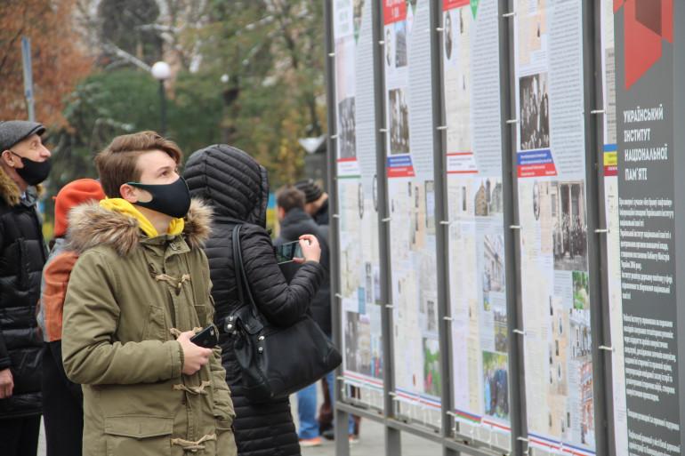 У Києві відкрилася фотодокументальна виставка з історії української дипломатії