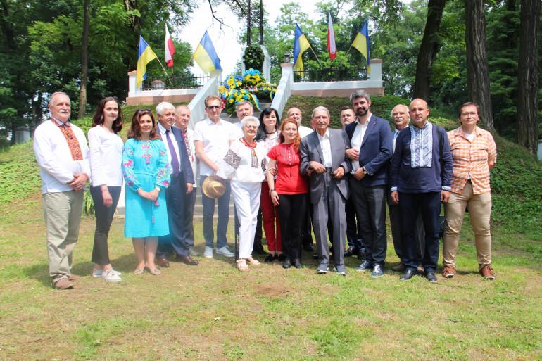 Голова УІНП взяв участь у вшануванні загиблих воїнів періоду Української Революції 1917-1921 років у Пикуличах