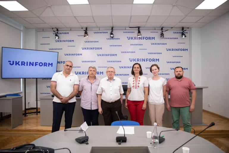 УІНП спільно з представниками національних громад  провів круглий стіл про депортації народів Криму у Другій світовій війні